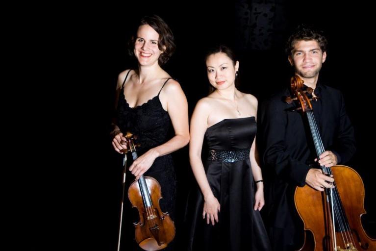 Trio Alba