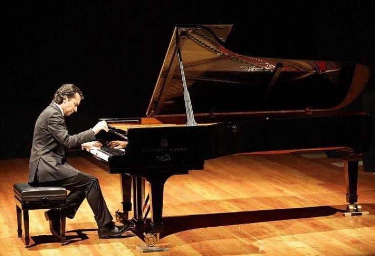 Piano Recital, Roberto Cominati